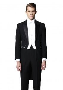 結婚式やオーケストラで着用するテールコート