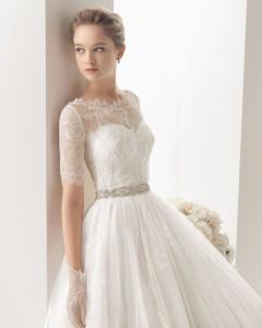 タキシードに似合う新婦のウェディングドレス